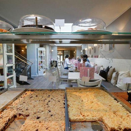 Cafe Glück Fulda Kuchen Innen