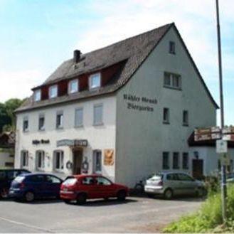 Fasthof Kuehler Grund Hausbild
