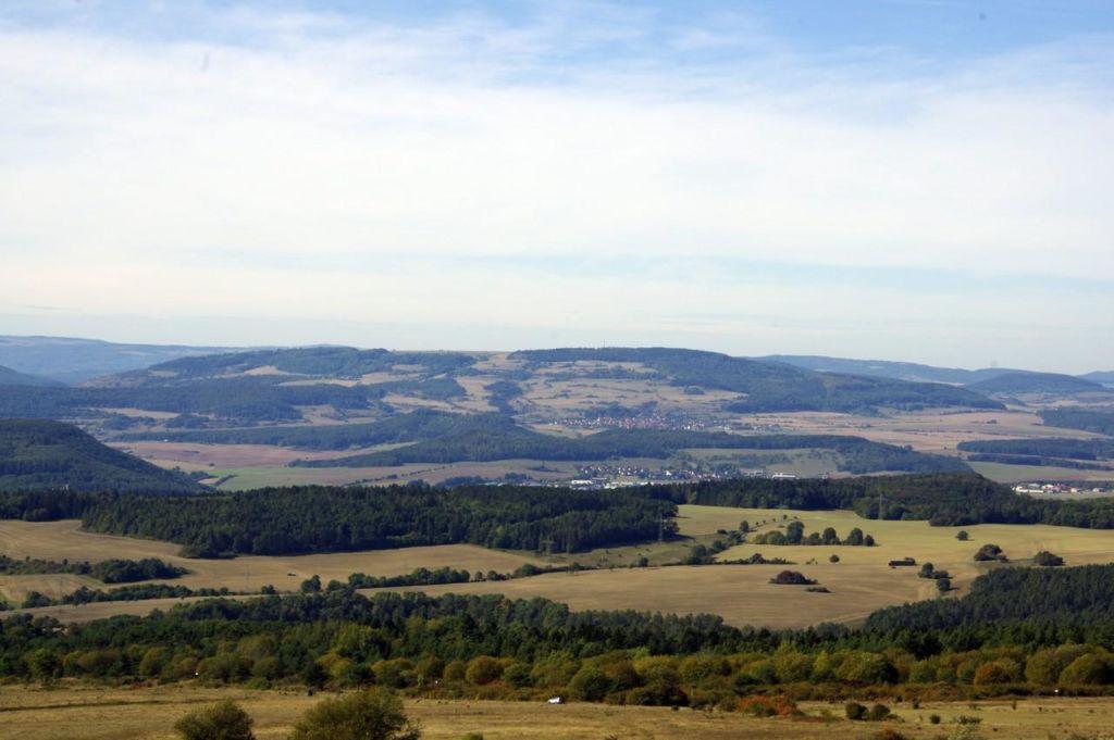 Blick vom Dolmar zur Hohen Geba