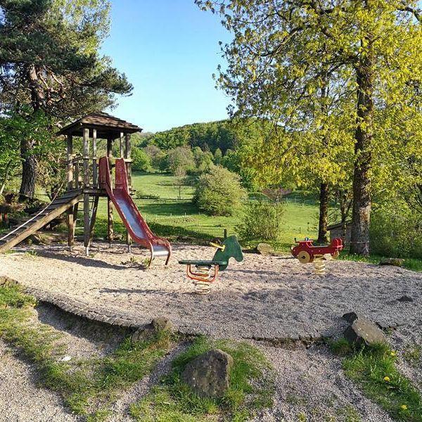 Rhoentravel Spielplatz Guckaisee
