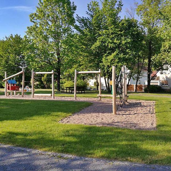 Rhoentravel Spielplatz Loehrieth